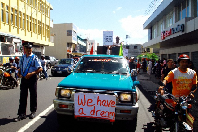 Unions and Mauritian citizens demand the formation of a new republic